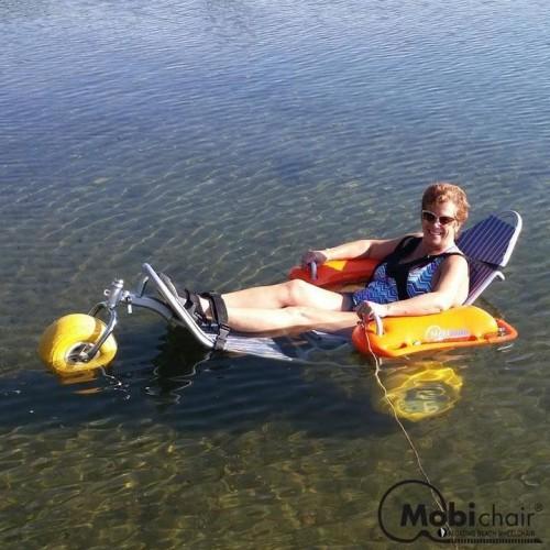 Fauteuil roulant de plage flottant Mobi-Chair®